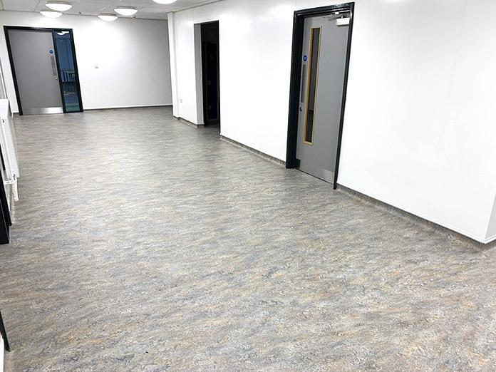 office-flooring-fitting.jpg