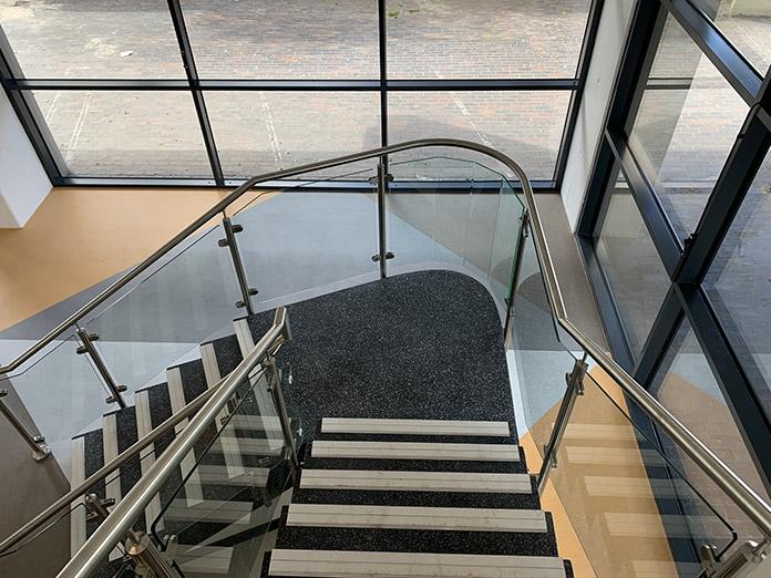 rubber-flooring-fitter.jpg
