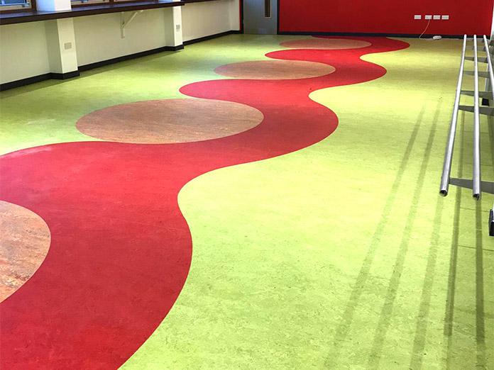 safety-flooring-fitter-3.jpg