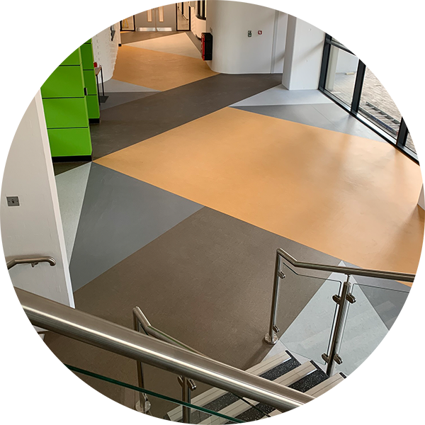 commercial-safety-flooring-fitter.png